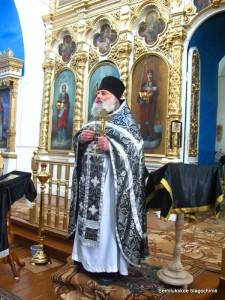 протоиерей Александр Никулин, настоятель храма во имя Святой Живоначальной Троицы с.Старая Ольшанка